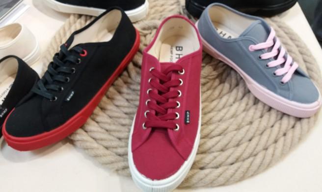 3 Sneaker